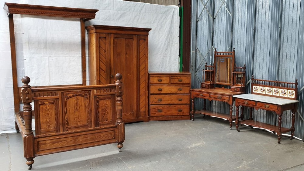 victorian aesthetic movement pitch pine bedroom suite