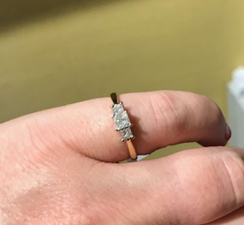 18ct princess cut 3 stone diamond ring