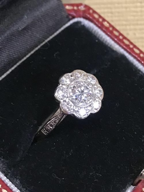 vintage 18ct platinum 100ct daisy diamond ring
