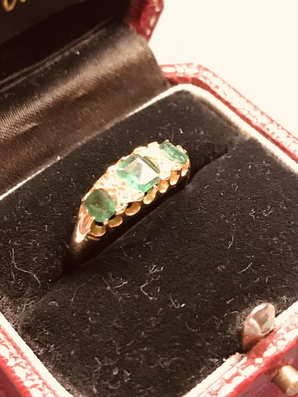 vintage emerald diamond 18ct ring