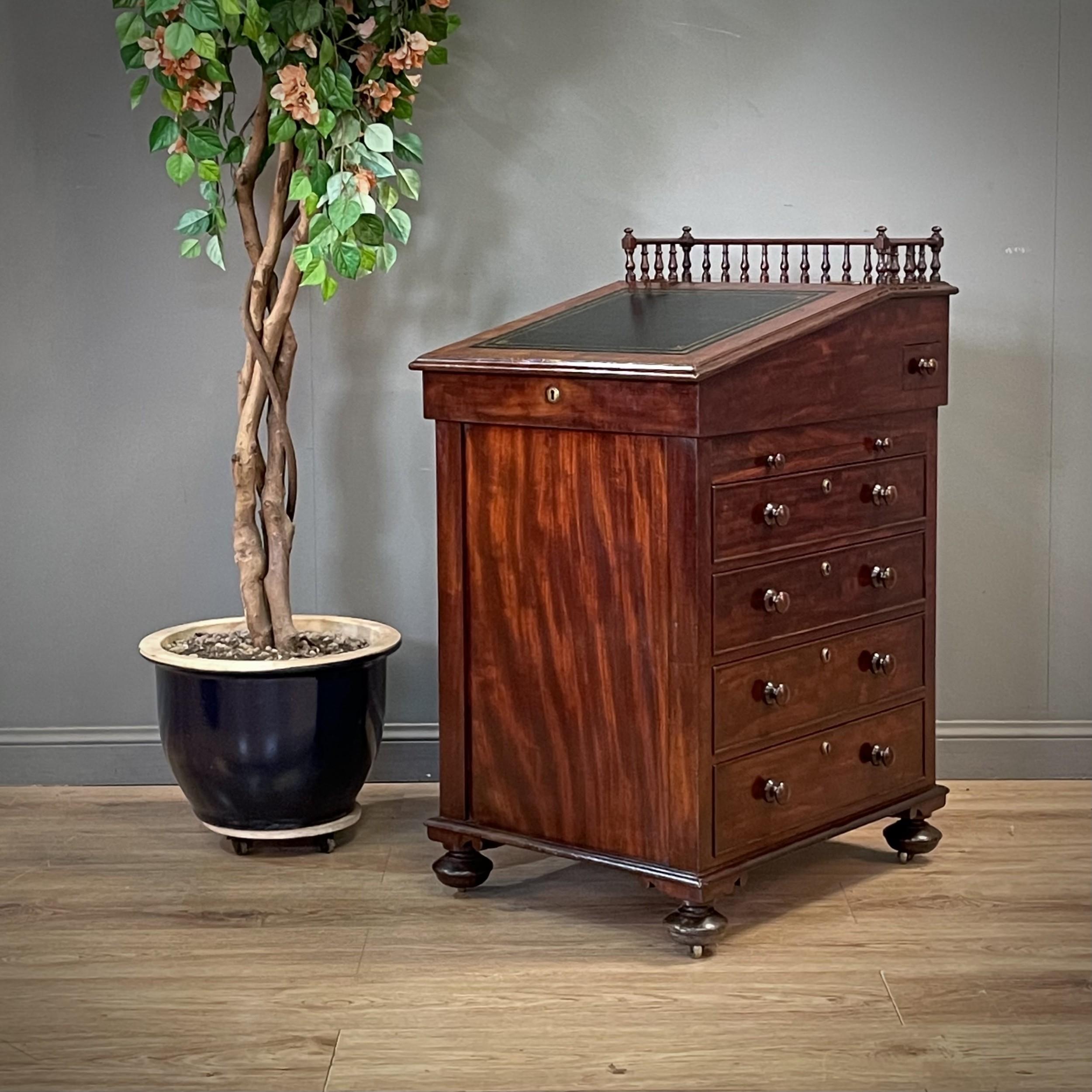 attractive antique william iv mahogany davenport desk