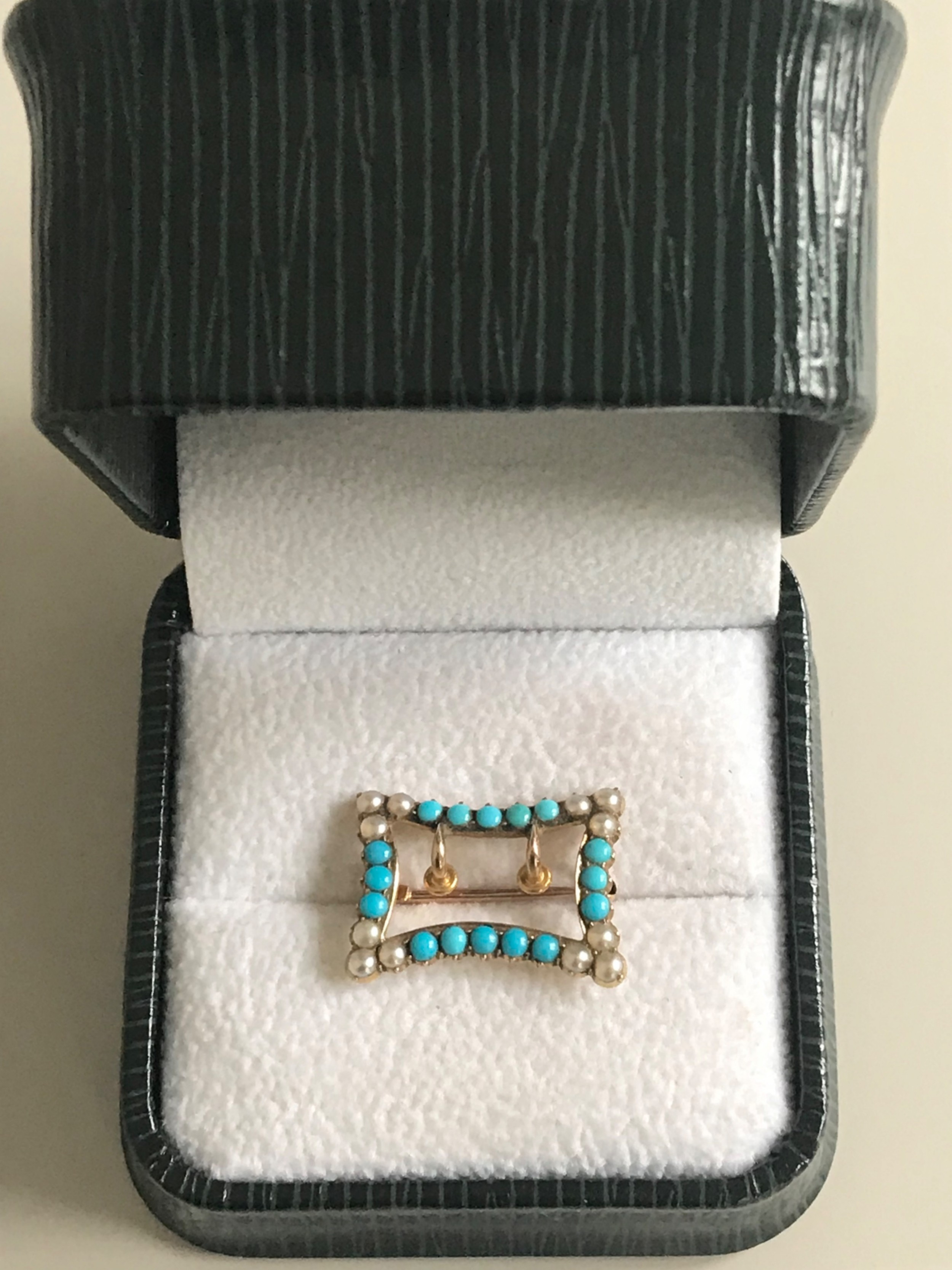 15 ct yellow gold turquoise and seed pearl buckle brooch
