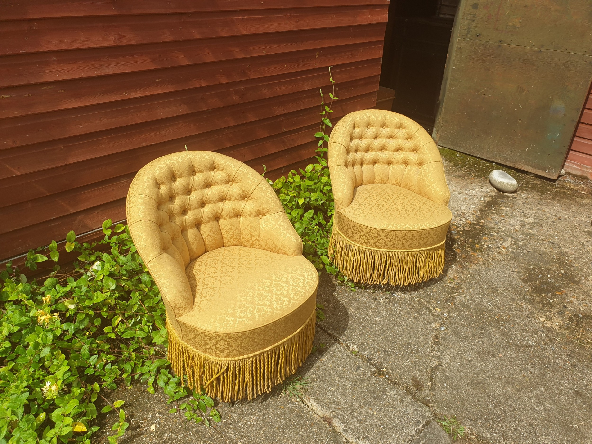 pair of good upholstered button back bedroom chairs