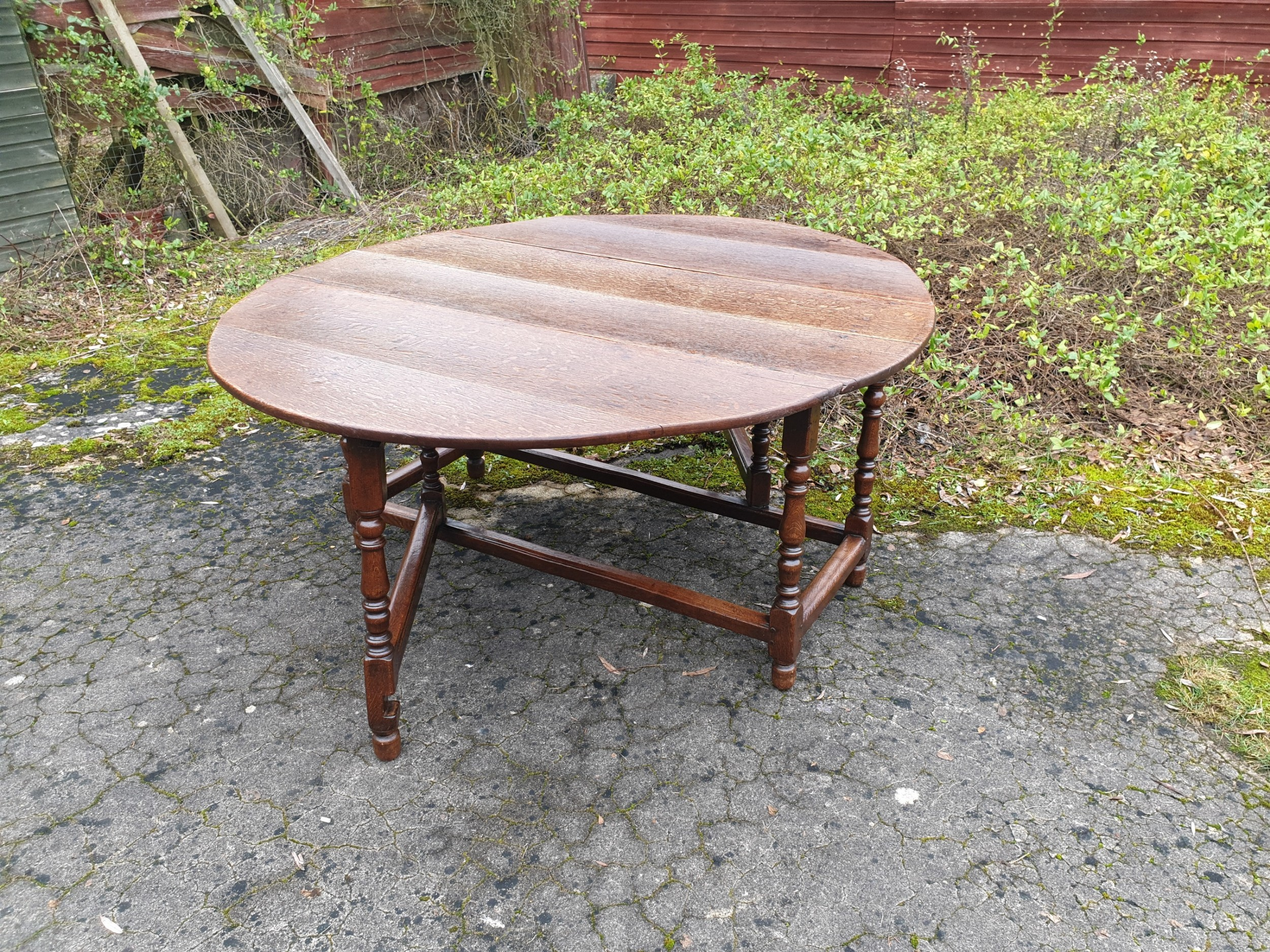 large 8 seater late georgian gate leg dining table