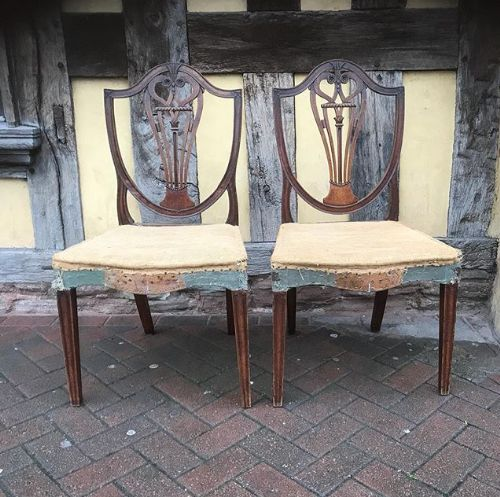 18thc pair of mahogany carved back chairs