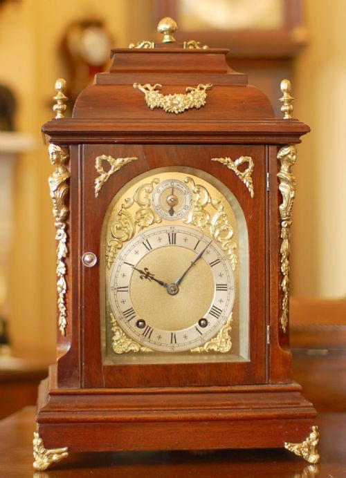 quarter striking mantel clock