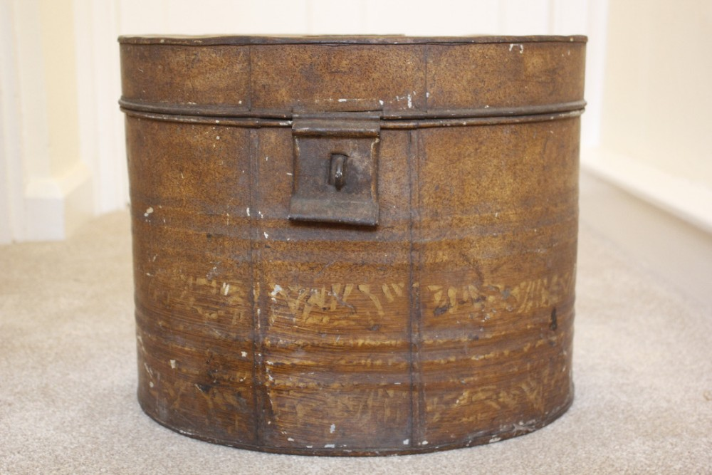 early c19th painted hat box