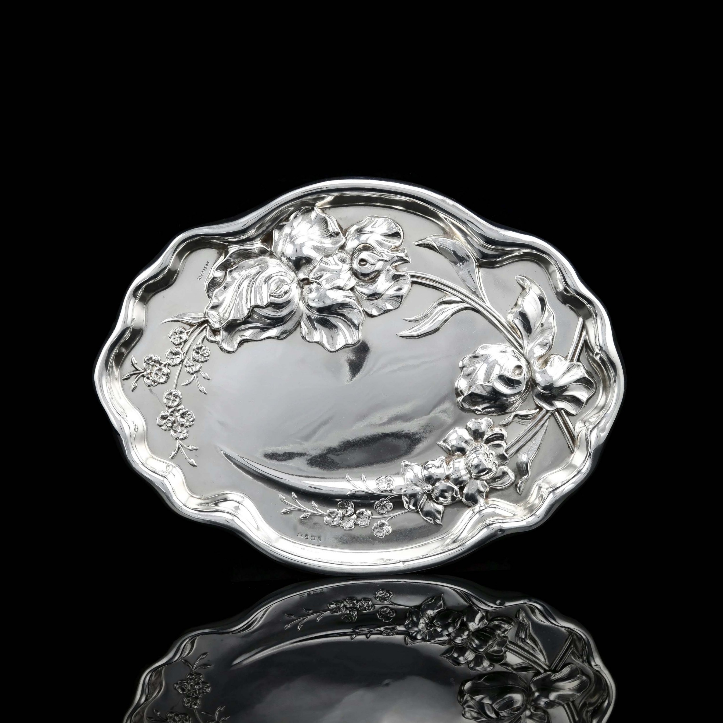 antique solid sterling silver large dishtray with art nouveau floral design thomas bishton 1907