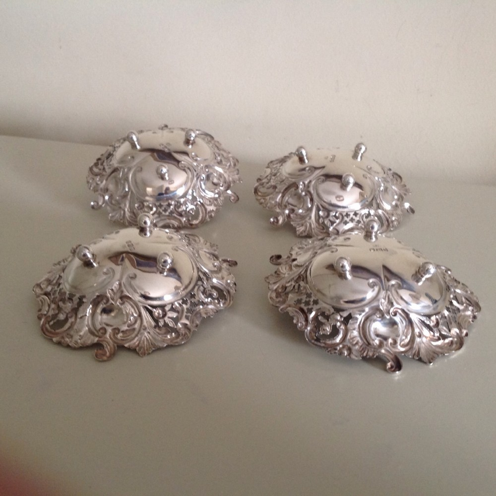 silver heart shaped dishes set of four sheffield 1896 179grammes