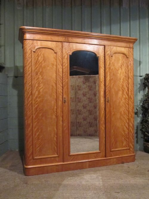 Antique victorian satin birch bedroom suite triple for Bedroom cupboard designs with dressing table