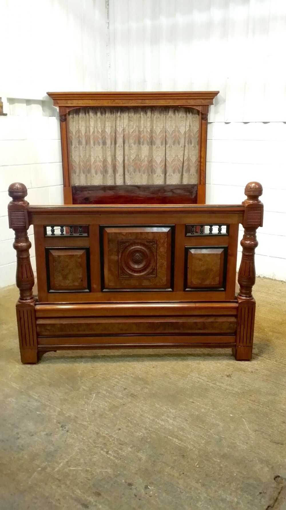 Antique victorian mahogany and walnut half tester 5ft for Beds 185cm long