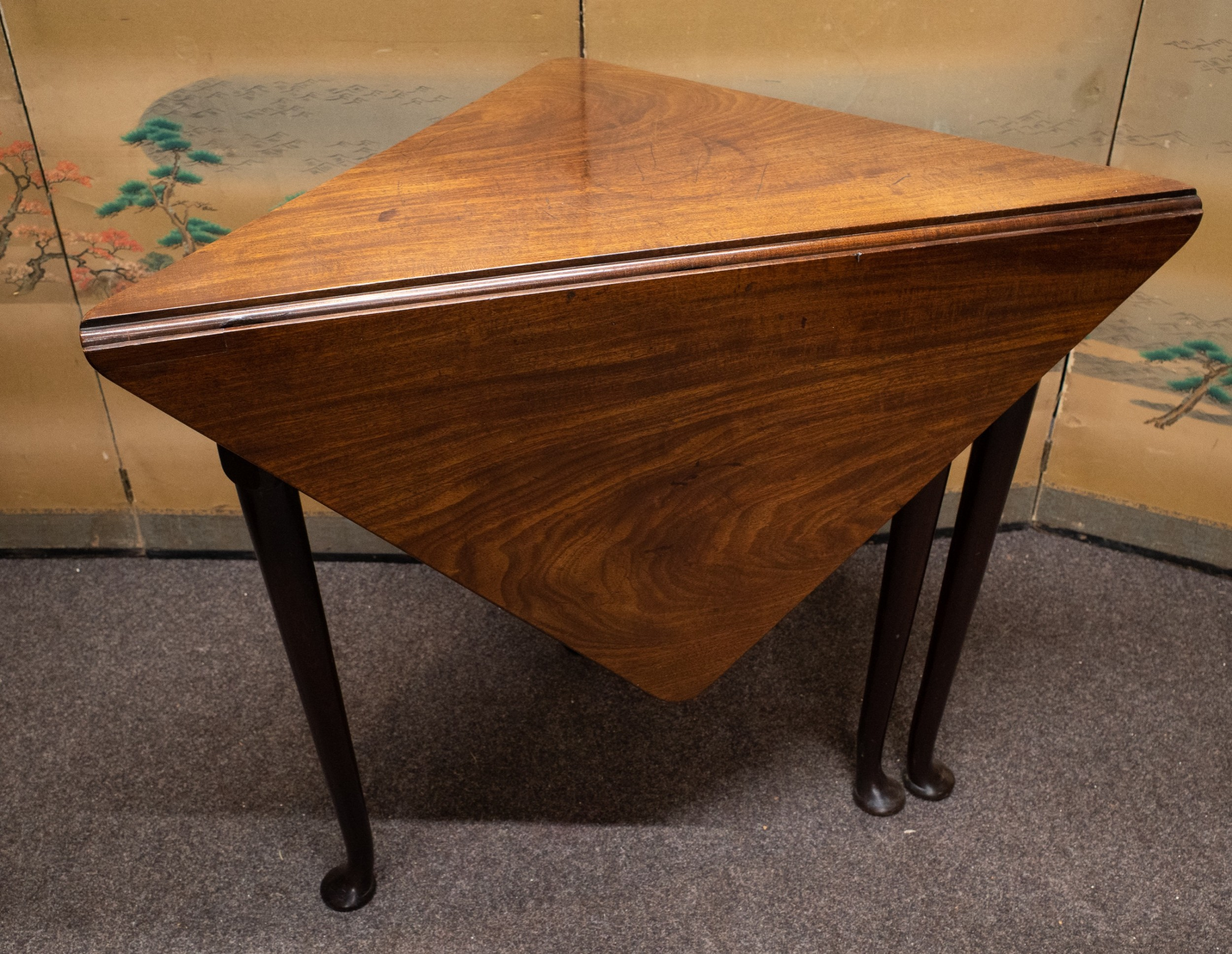 rare pad foot george ii mahogany corner flap leaf table