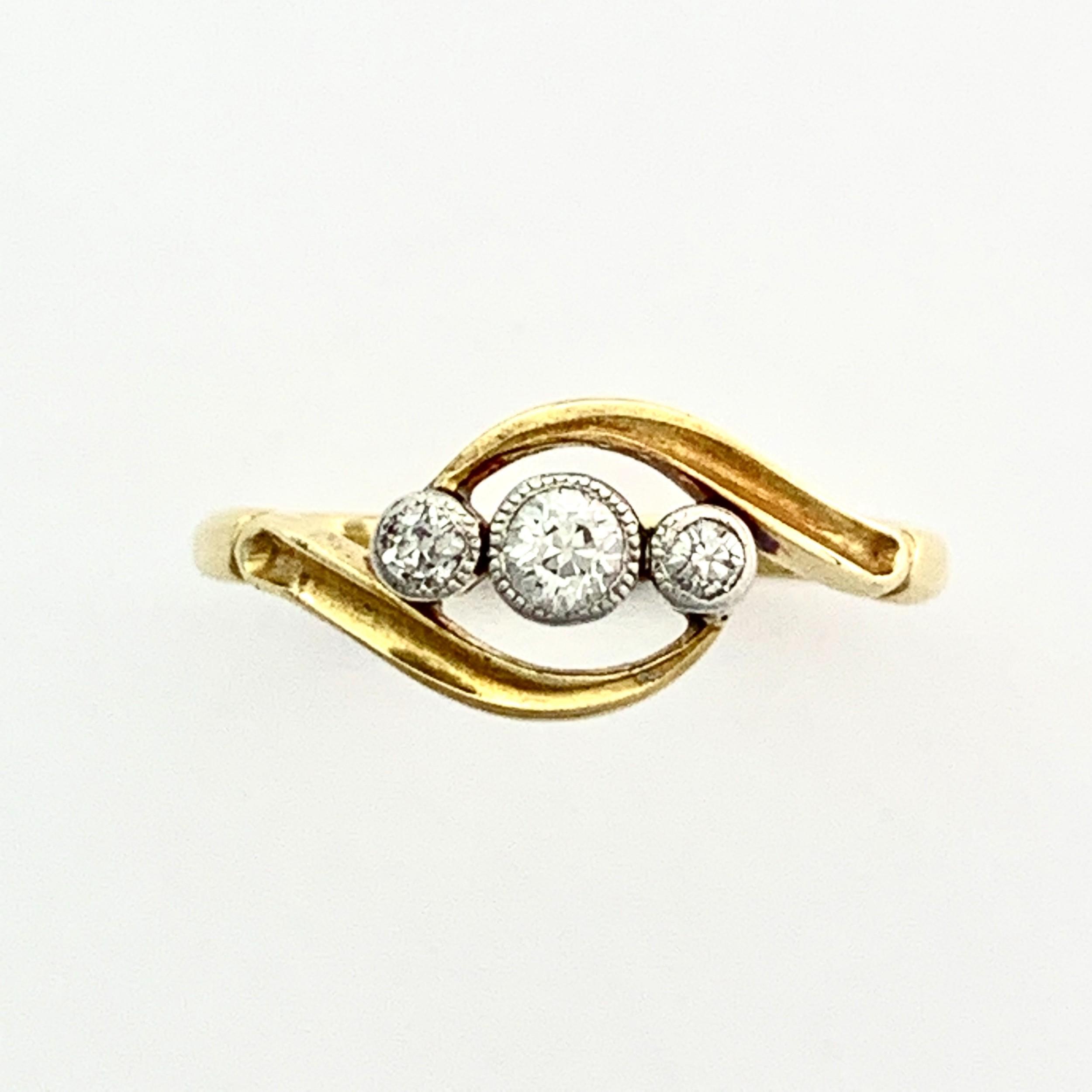 edwardian 18ct gold threestone diamond ring