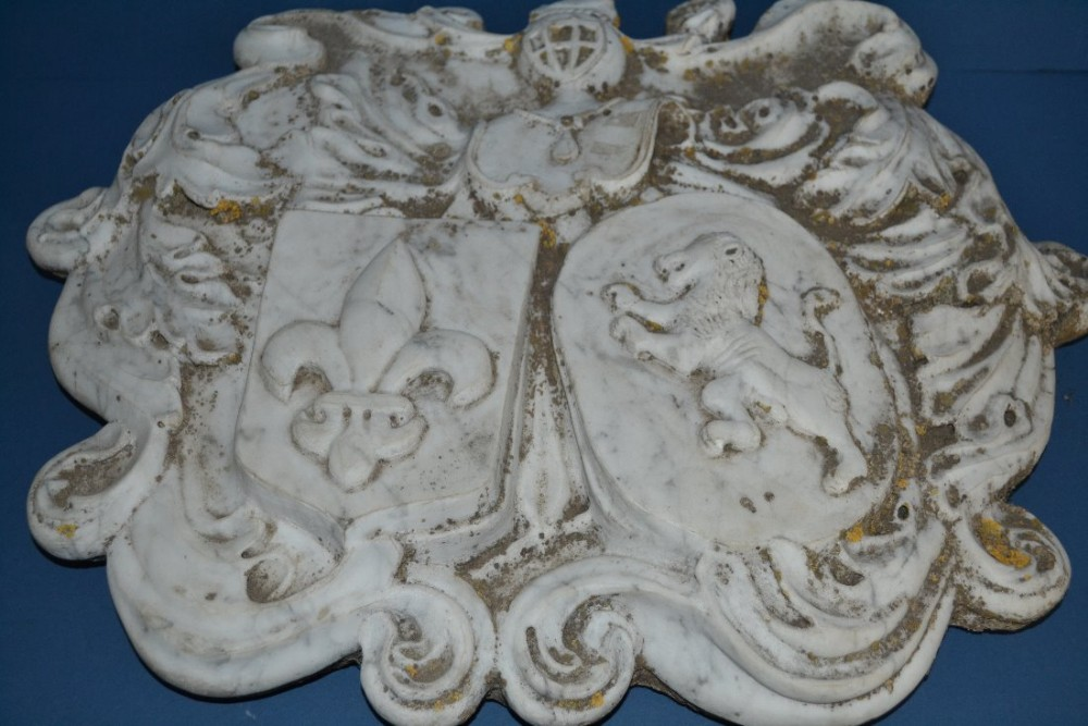large french early 19th century marble plaque armorialcoat of arms decorationc1820