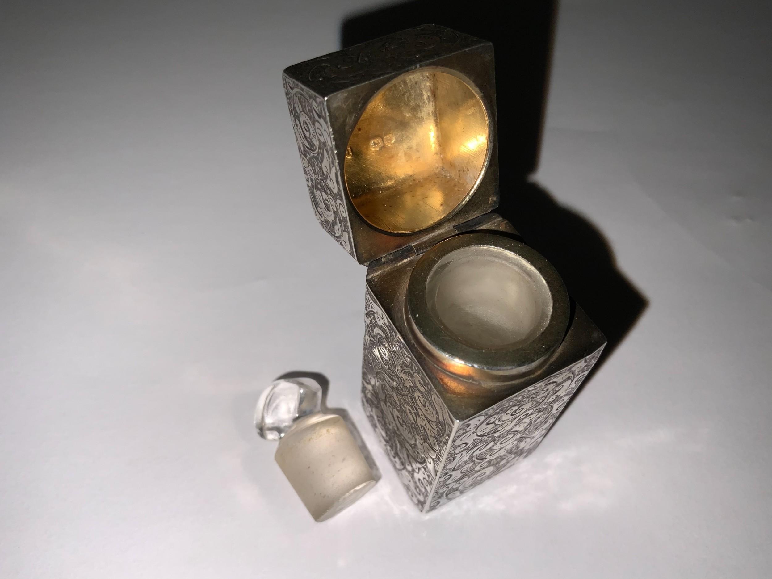 square sampson mordan silver scentperfume bottle