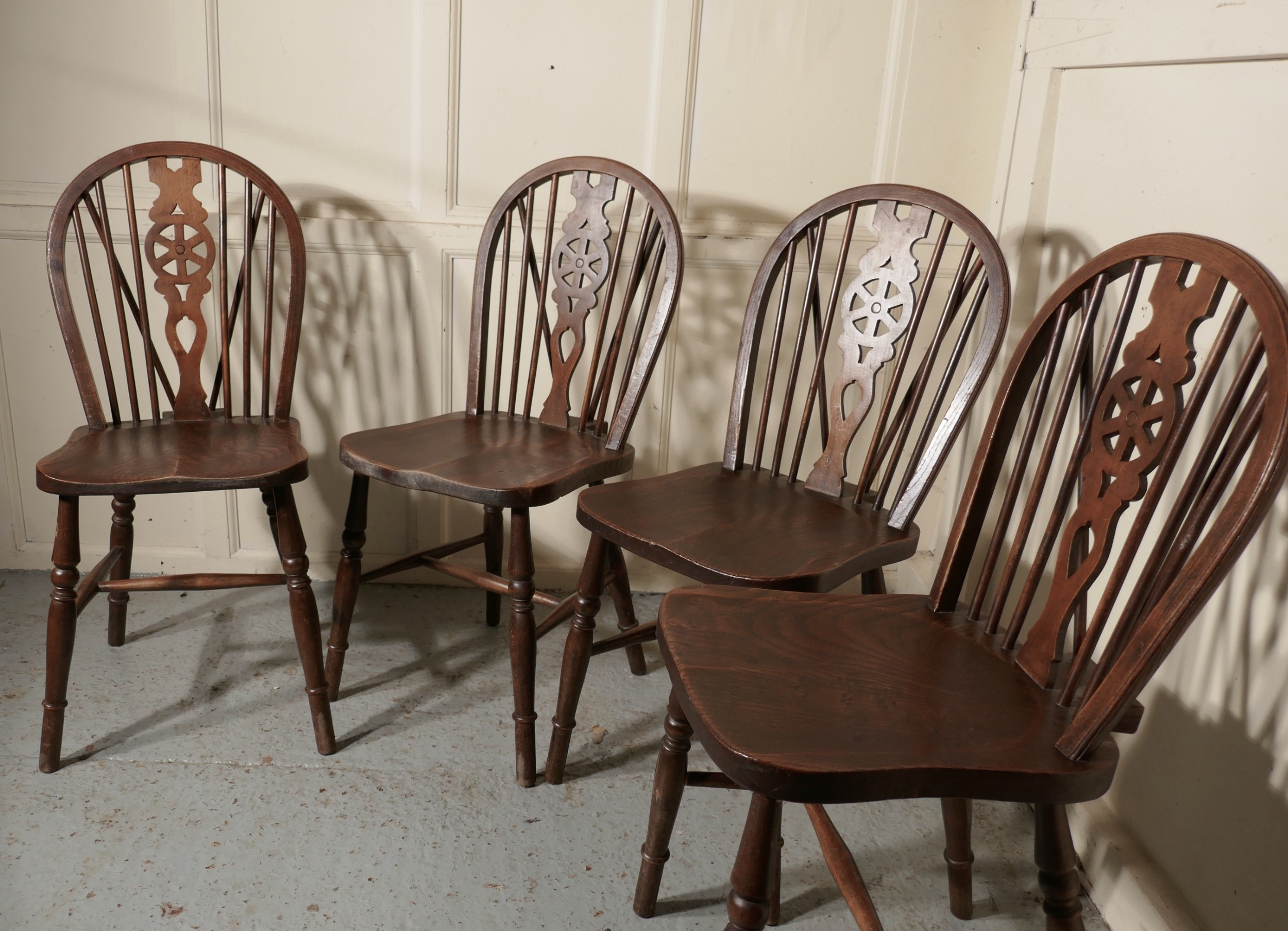 2019 Fashion 2 Vintage Solid Oak Wheel Back Windsor Dining Chairs With The Best Service Chairs Antiques