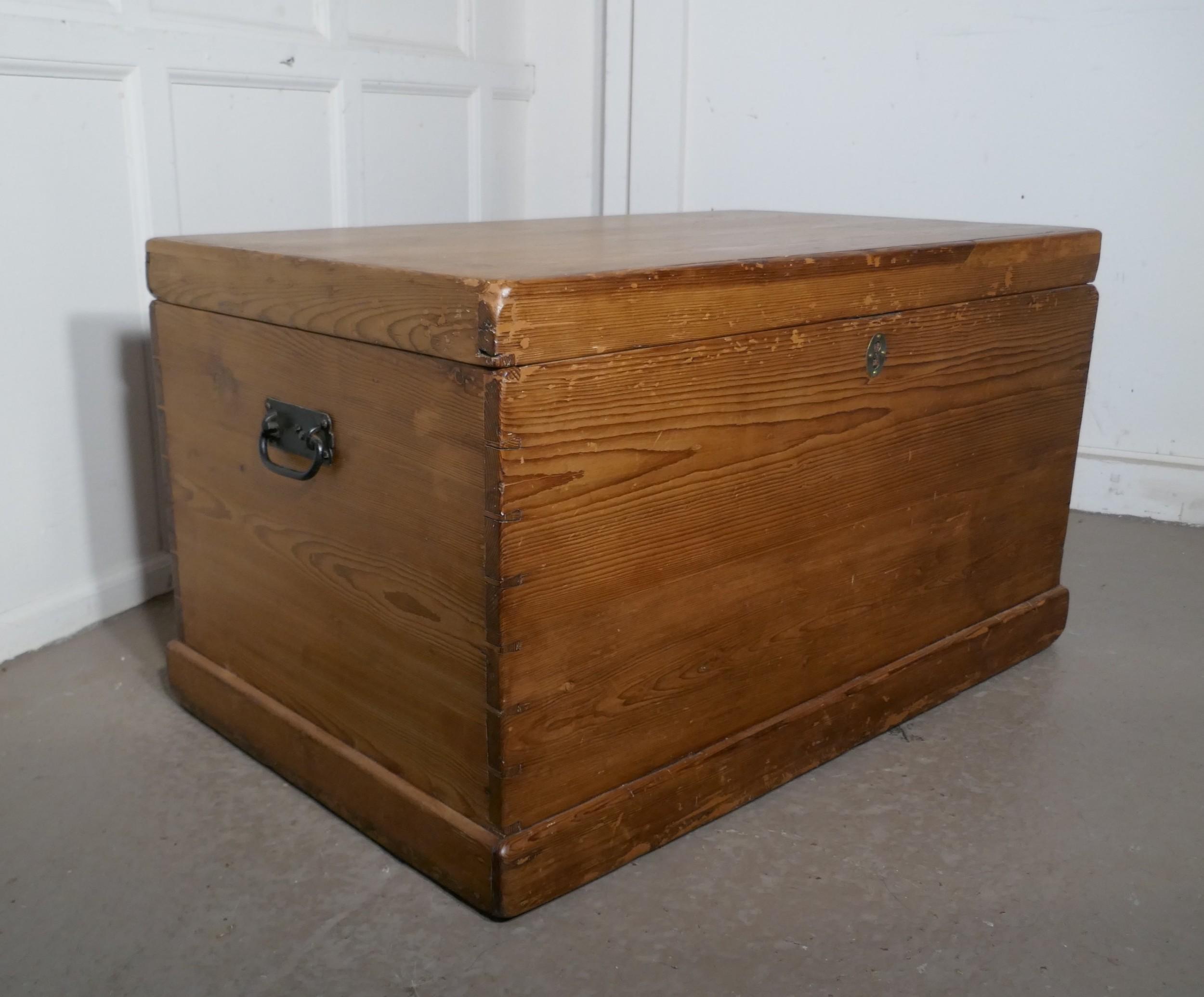 large georgian pine blanket box