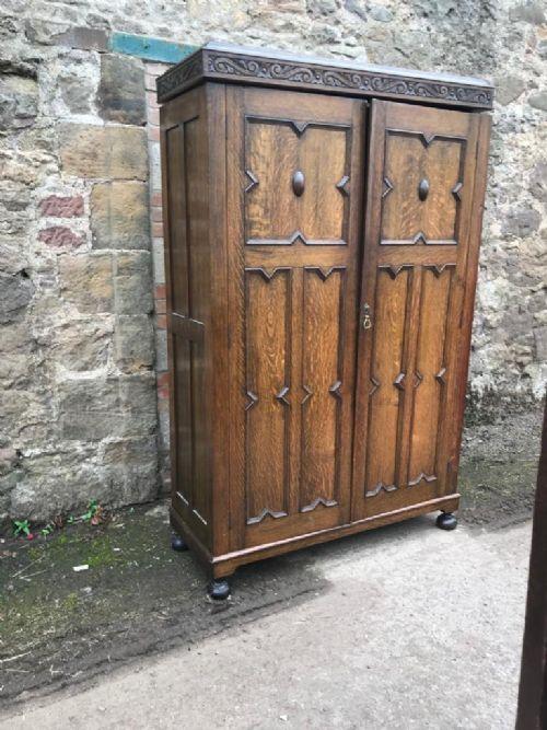 solid oak linen fold double door robe very clean