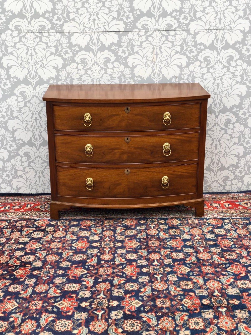 a outstanding quality georgian bow fronted chest of drawers with 3 drawers fully restored superb quality