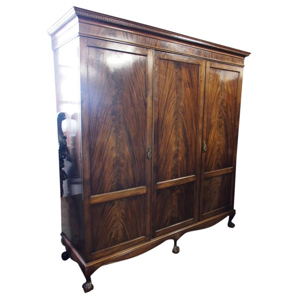 chippendale style mahogany 3 door wardrobe