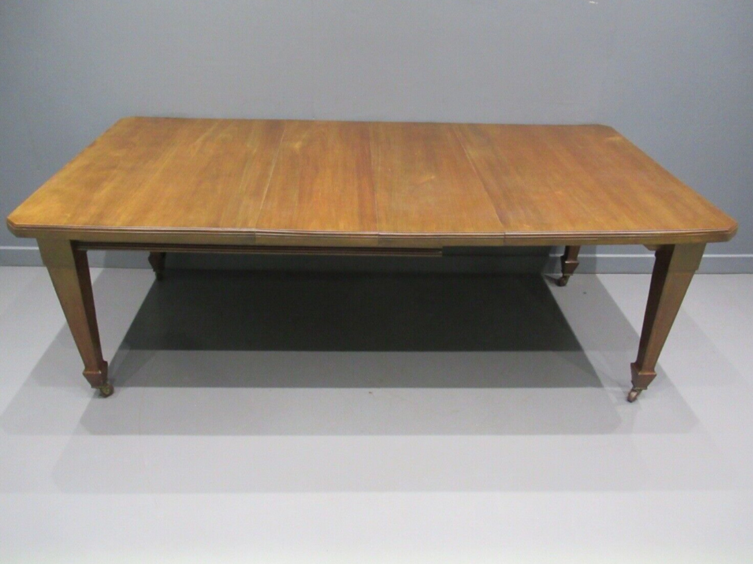 edwardian inlaid mahogany windout dining table and 2 leafs original handle
