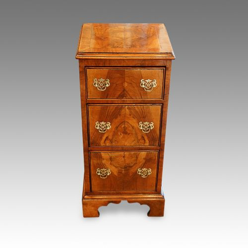 walnut george i style small chest