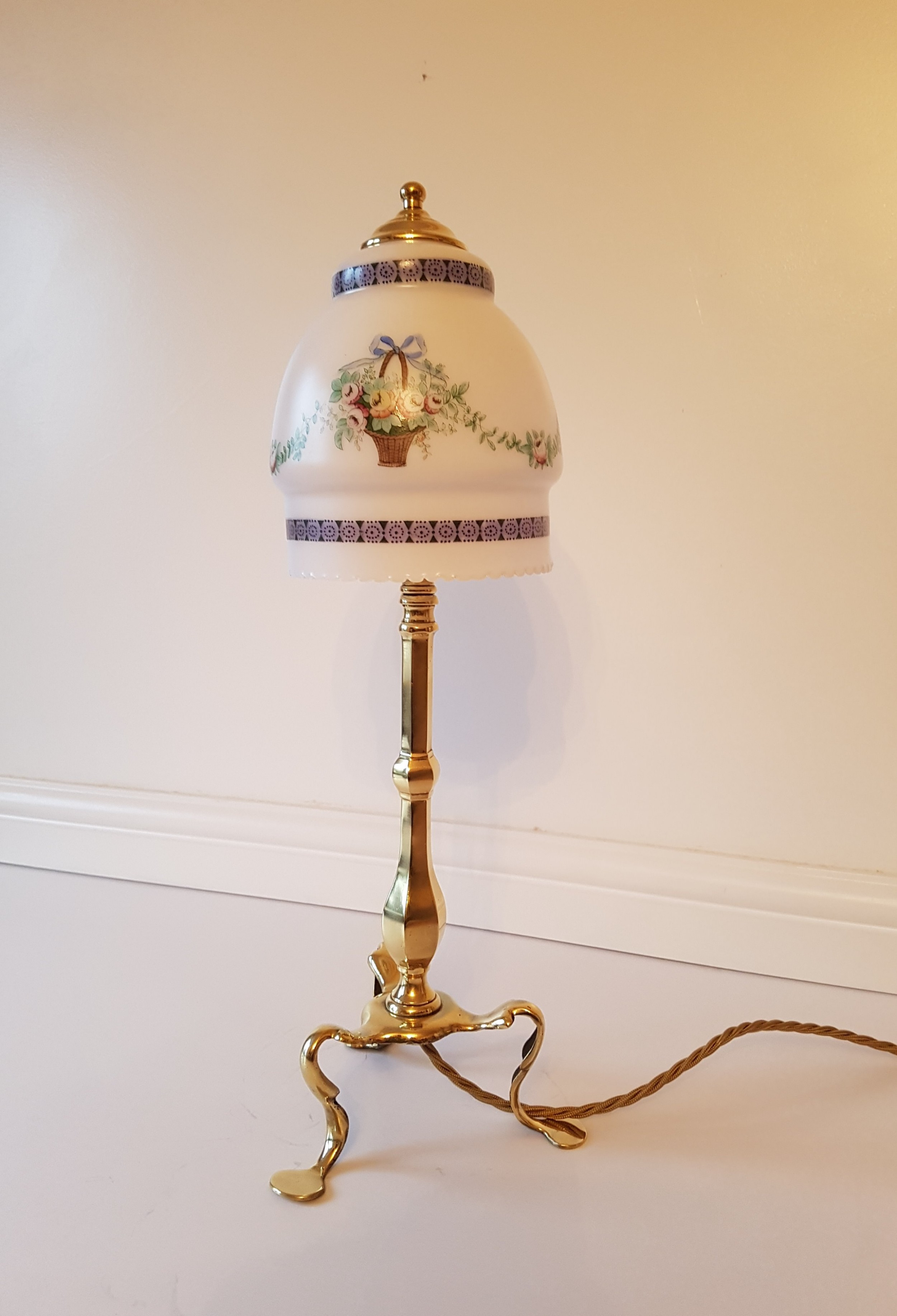 c1910 brass pullman table lamp no 2 of a near pair rewired