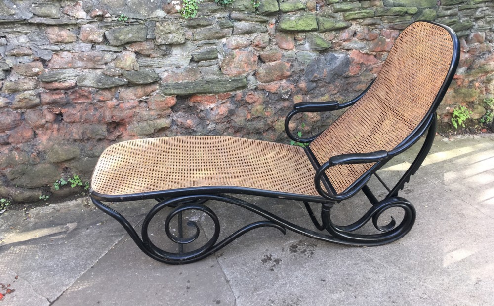 thonet bentwood chaise longue
