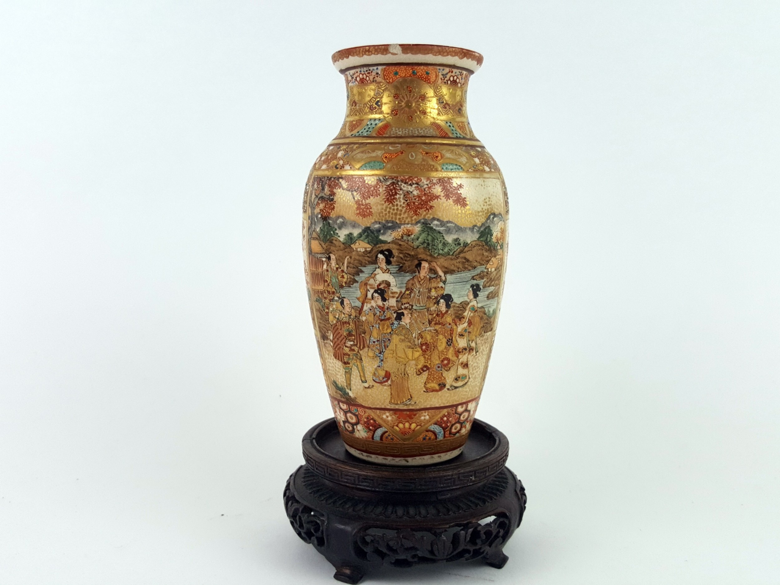 meiji period japanese satsuma vase