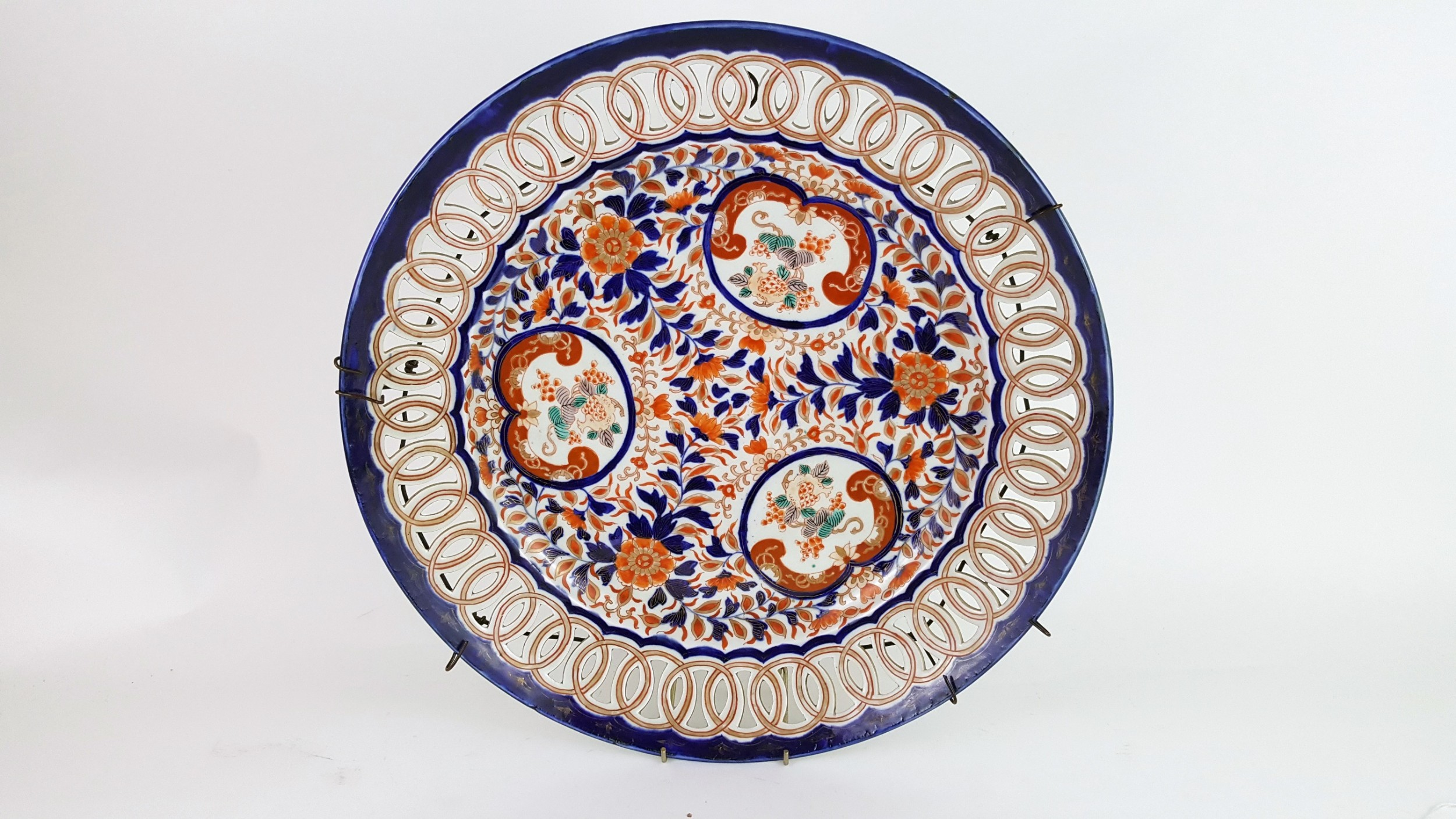 19th century large chinese imari ribbon plate