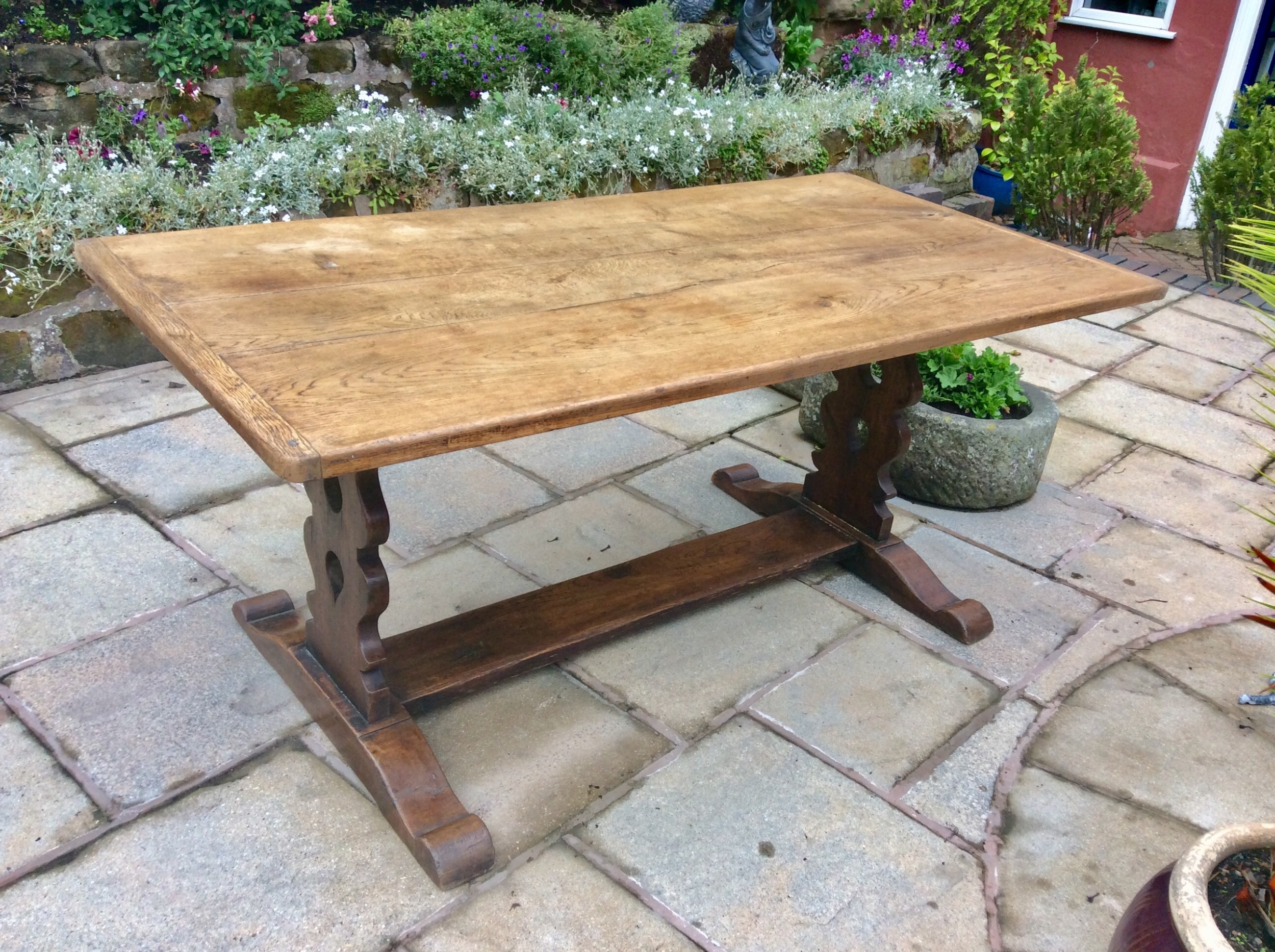 oak refectory dining kitchen table