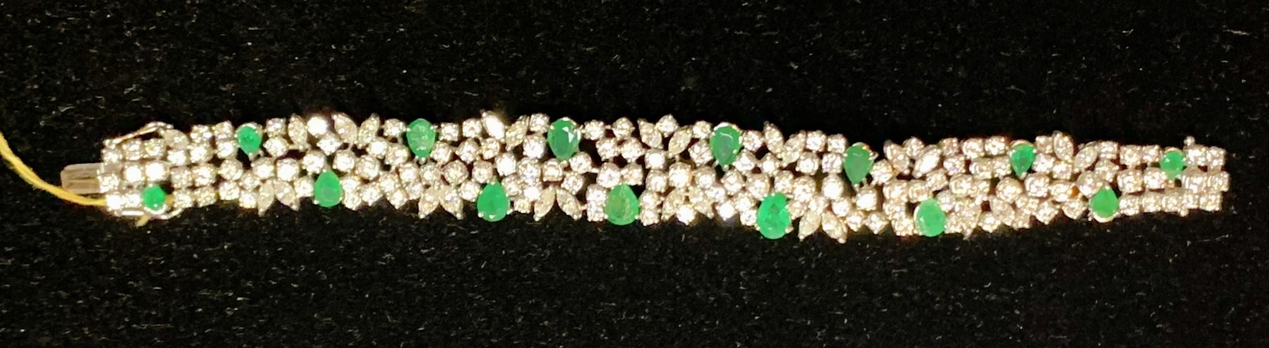 an impressive vintage 769 carat emerald and 1780 carat diamonds and 18 carat white gold bracelet