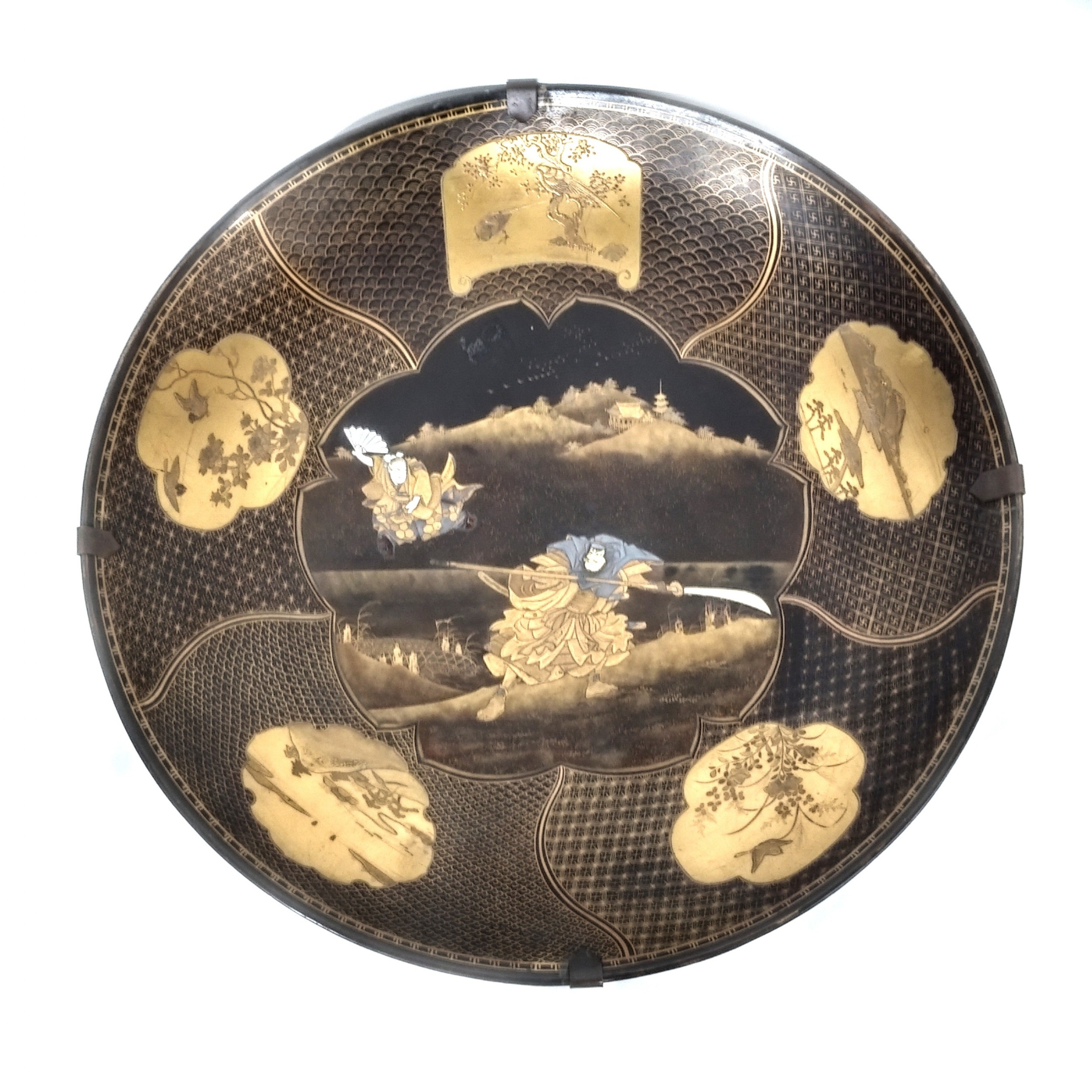 japanese lacquer dish with samurai decoration