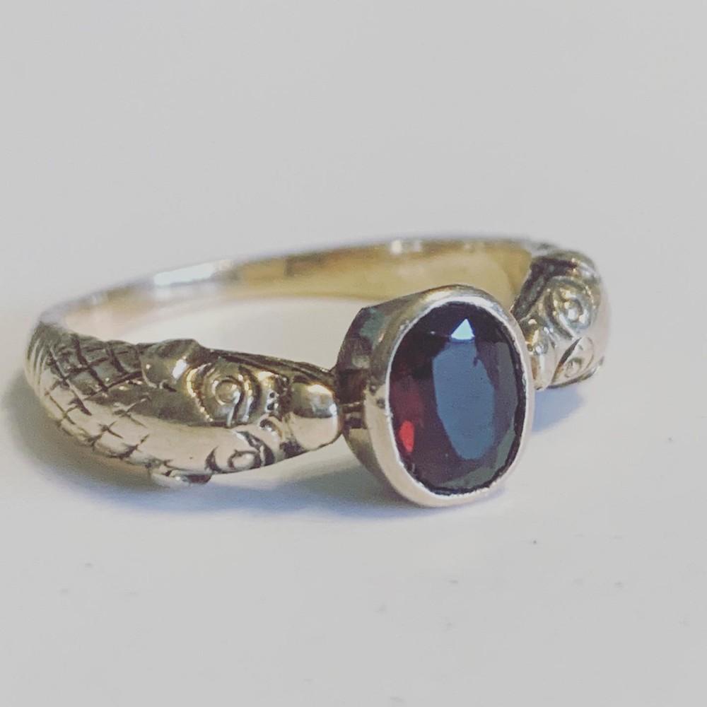 antique victorian garnet dogsnake 15ct gold ring