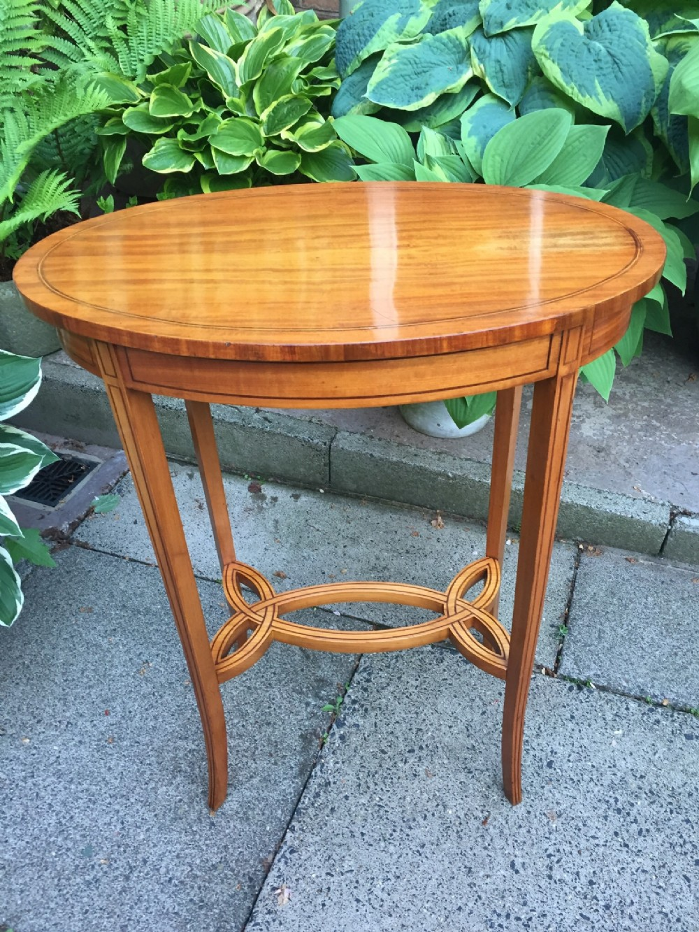 late c19th early c20th edwardian period satinwood oval occasional table