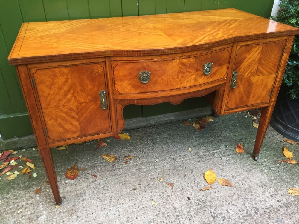 late c19th early c20th edwardian period satinwood veneered kneehole dressing table