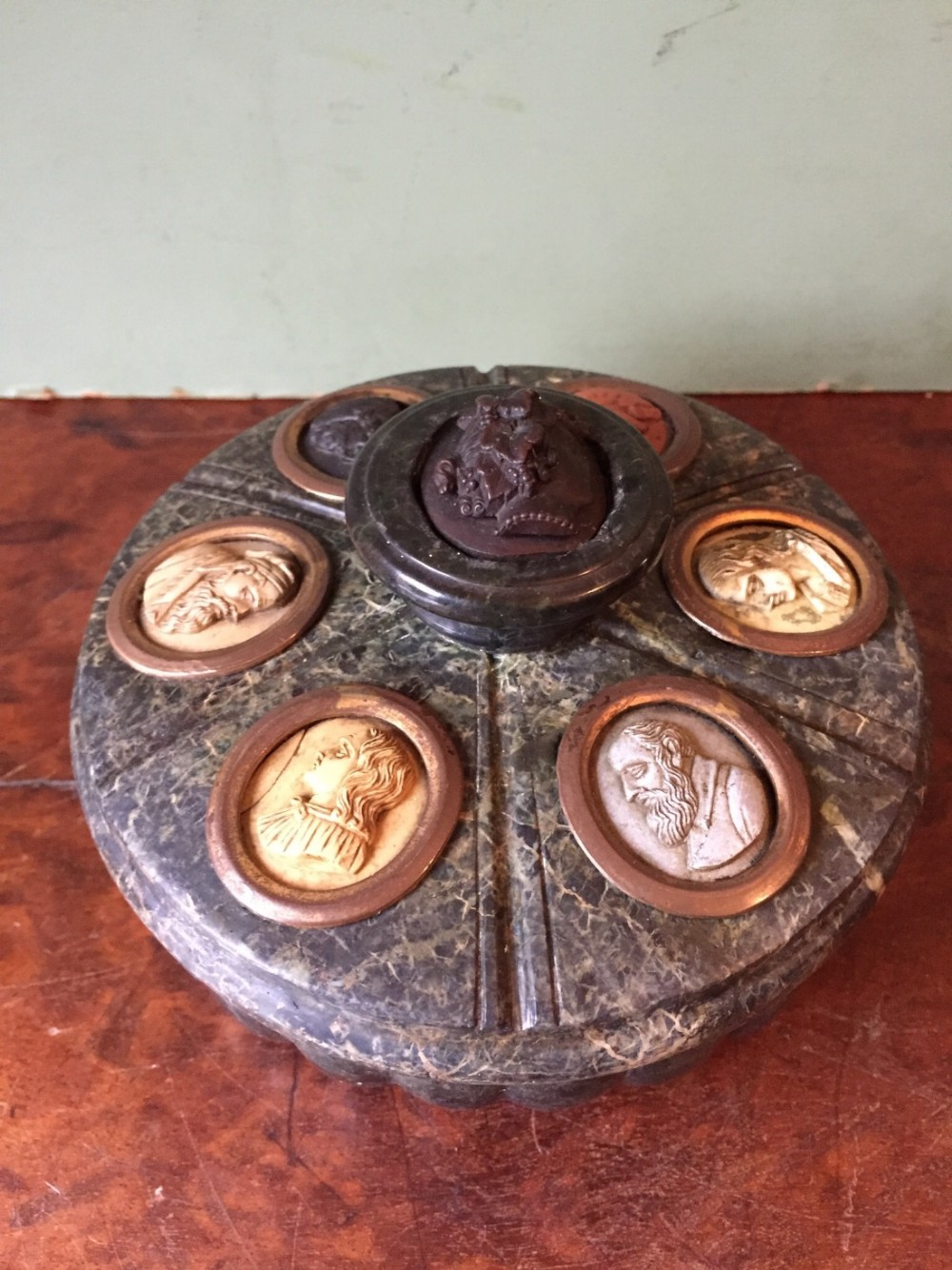 c19th italian 'grand tour' souvenir carved serpentine marble inkstand set with carved lava cameo profiles