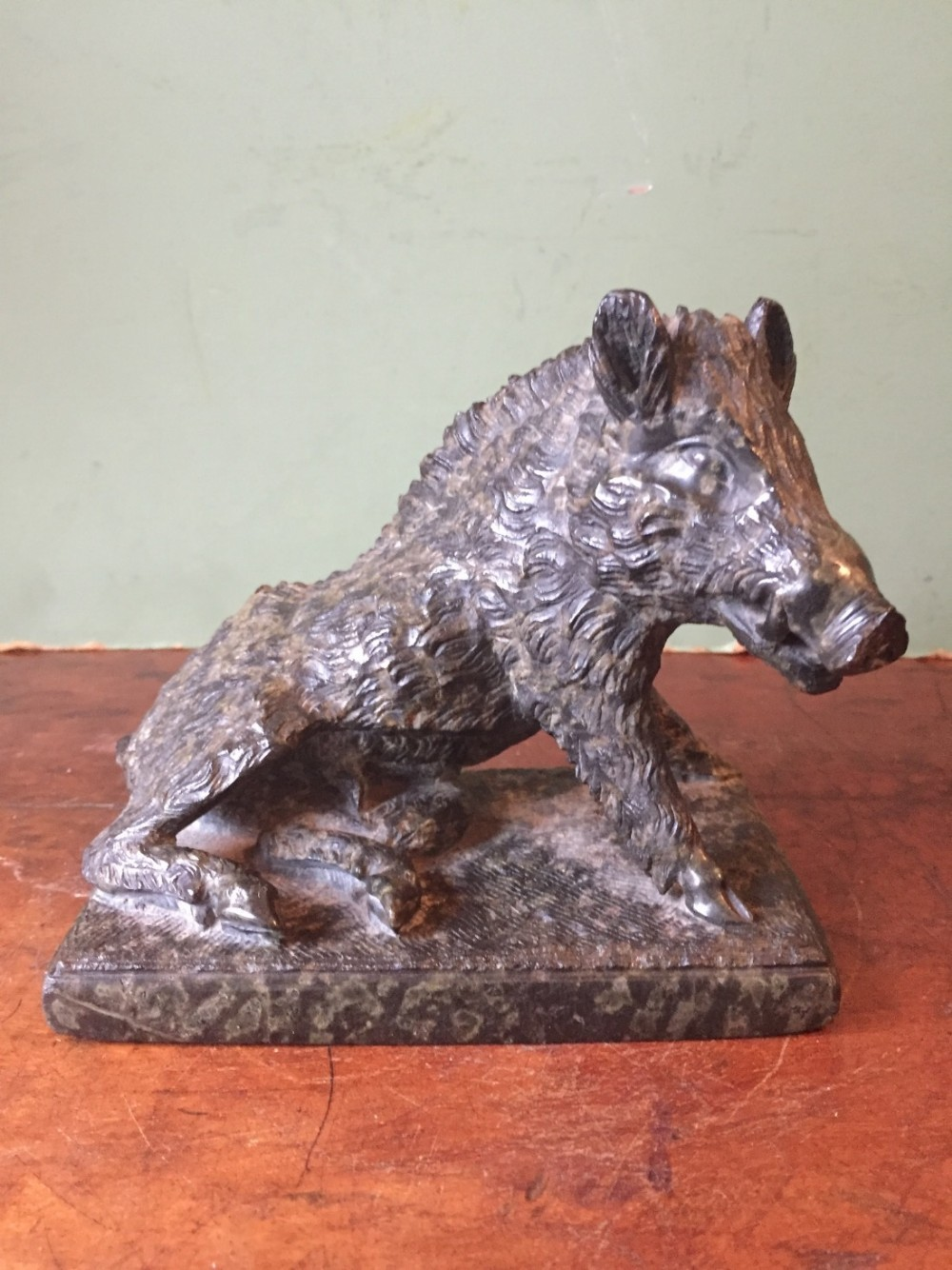 late c19th italian 'grand tour ' souvenir carved serpentine marble study of il porcellino or the ufizzi boar