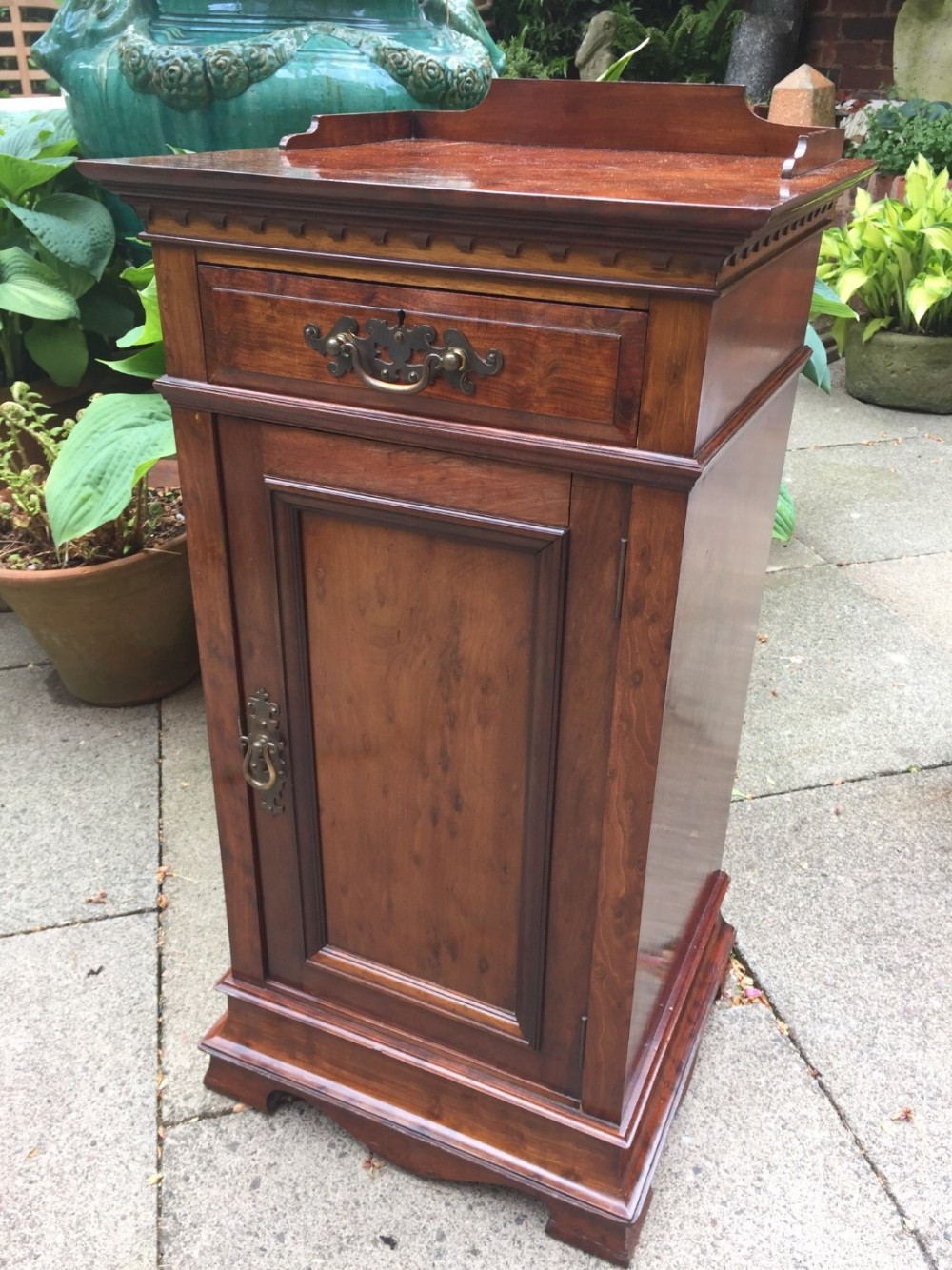 late c19th mahogany bedside cupboard or cabinet of superior quality