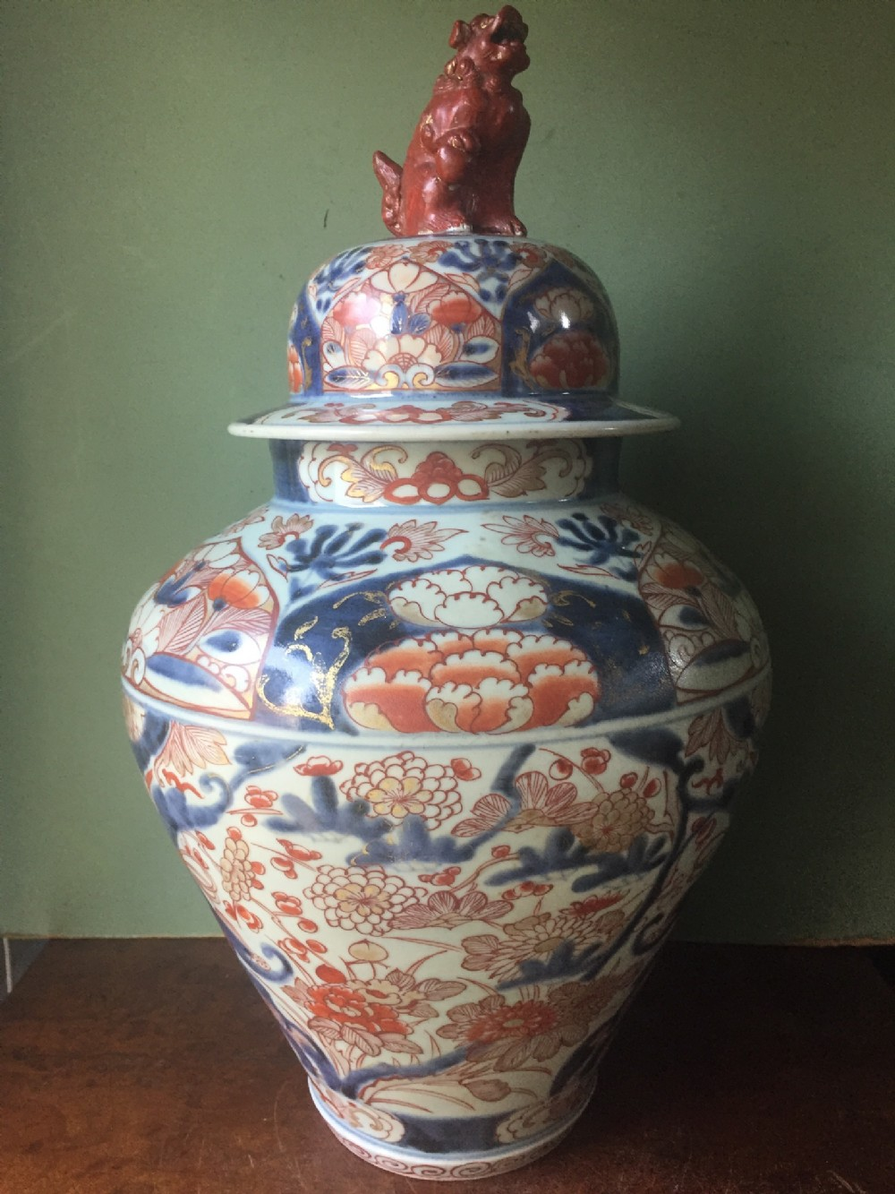 c18th japanese porcelain vase and cover decorated in the imari plalette
