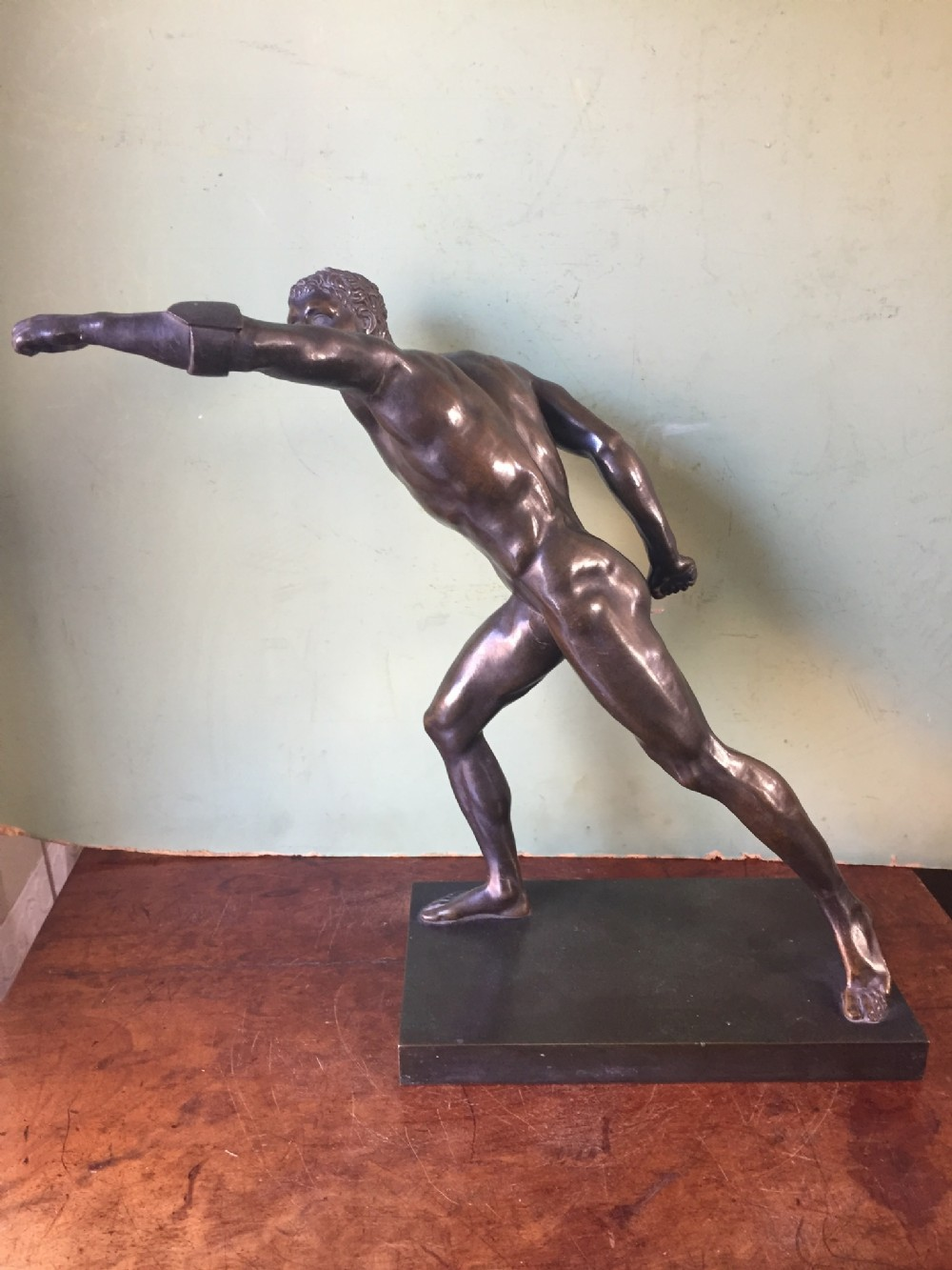 fine early c19th italian 'grand tour' souvenir bronze study after the antique of the borghese gladiator
