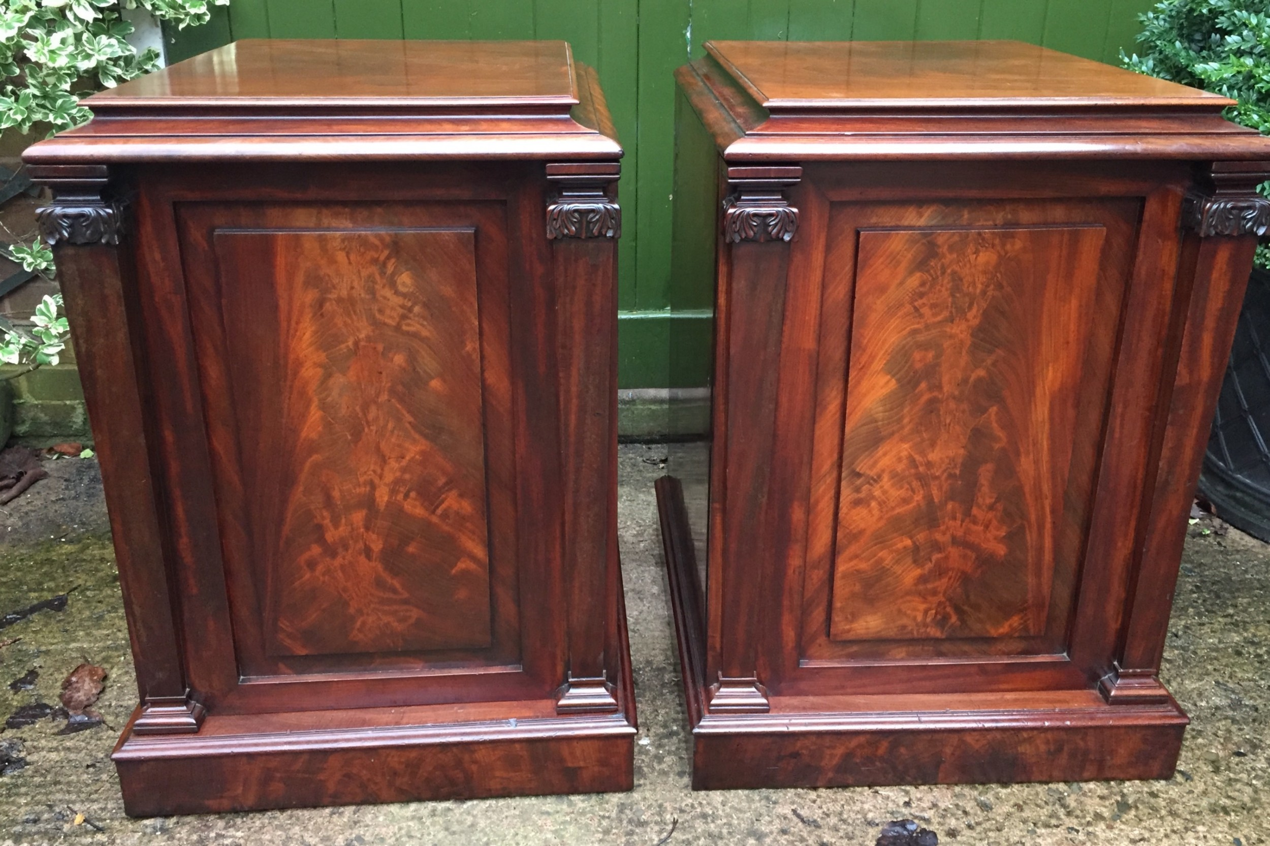 pair of early c19th george iv period mahogany pedestal cupboards