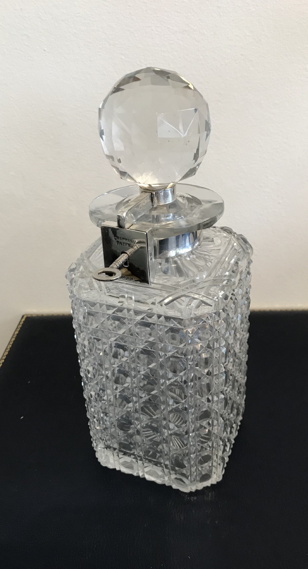 rare chapman patent locking decanter
