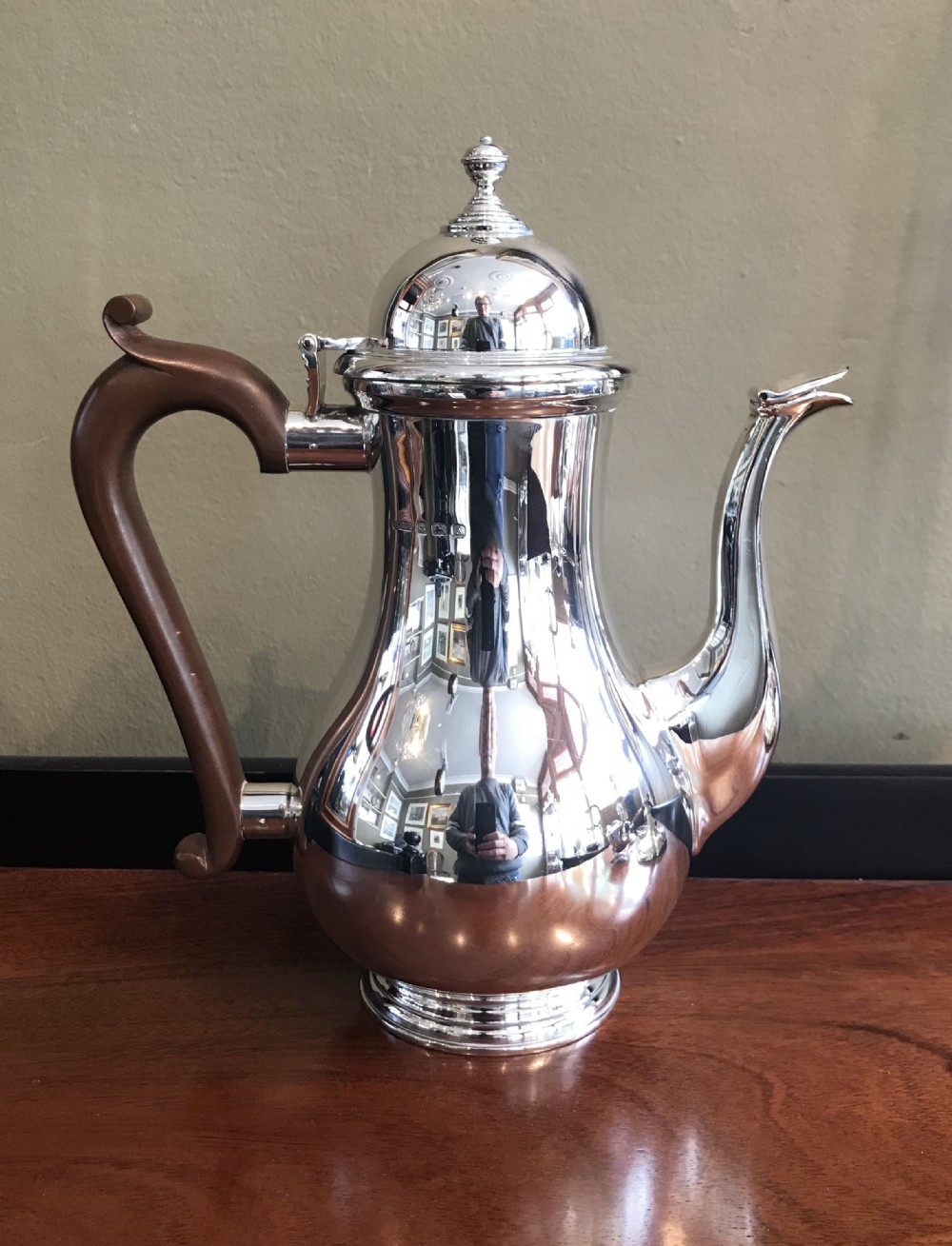 george v solid silver coffee pot 1925