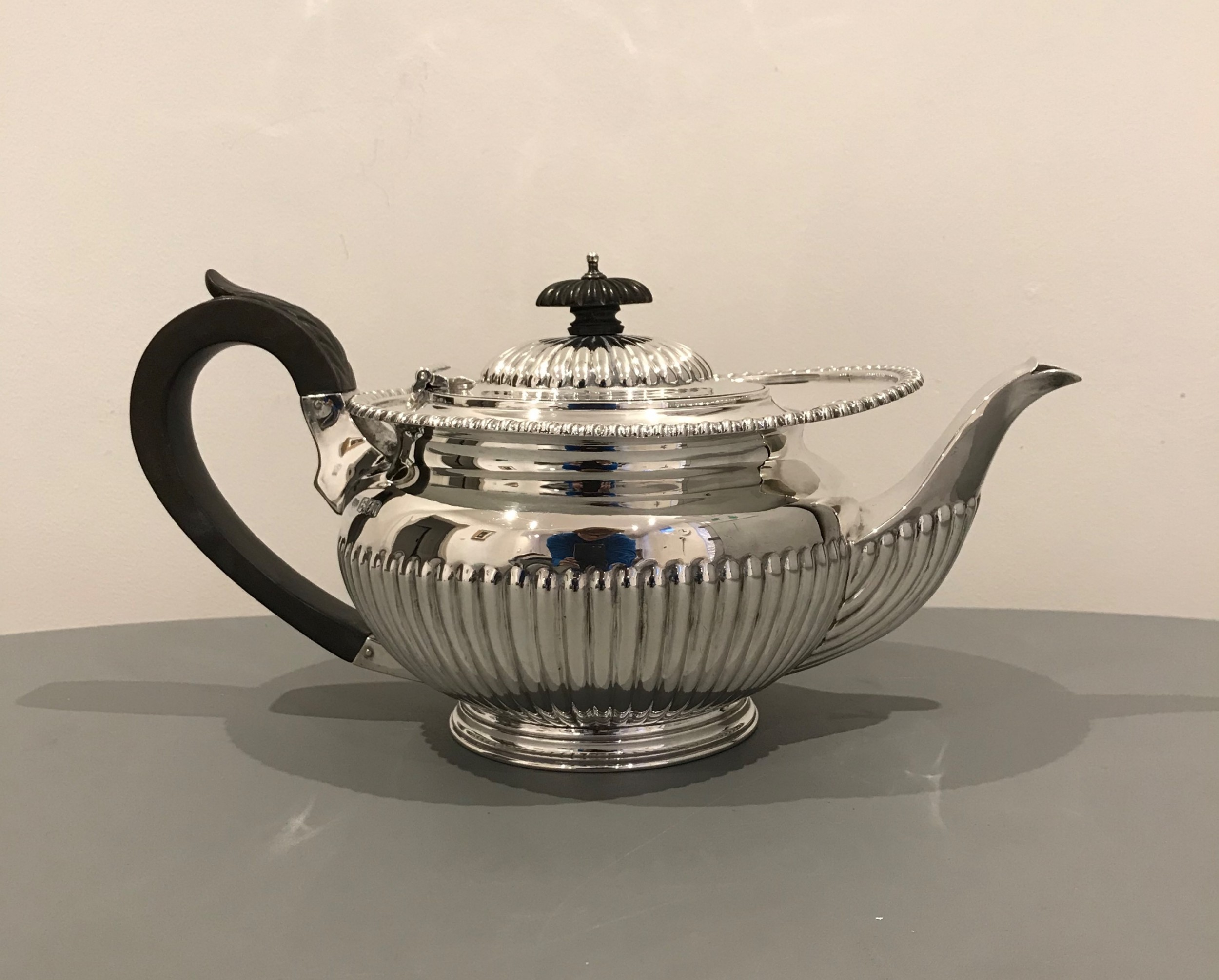 quality george v solid silver teapot 788 grams