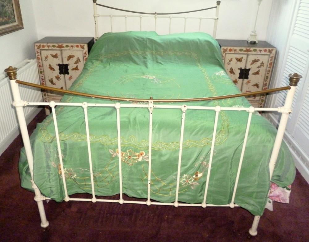 Victorian Cast Iron Beds : Victorian cast iron brass bed sellingantiques