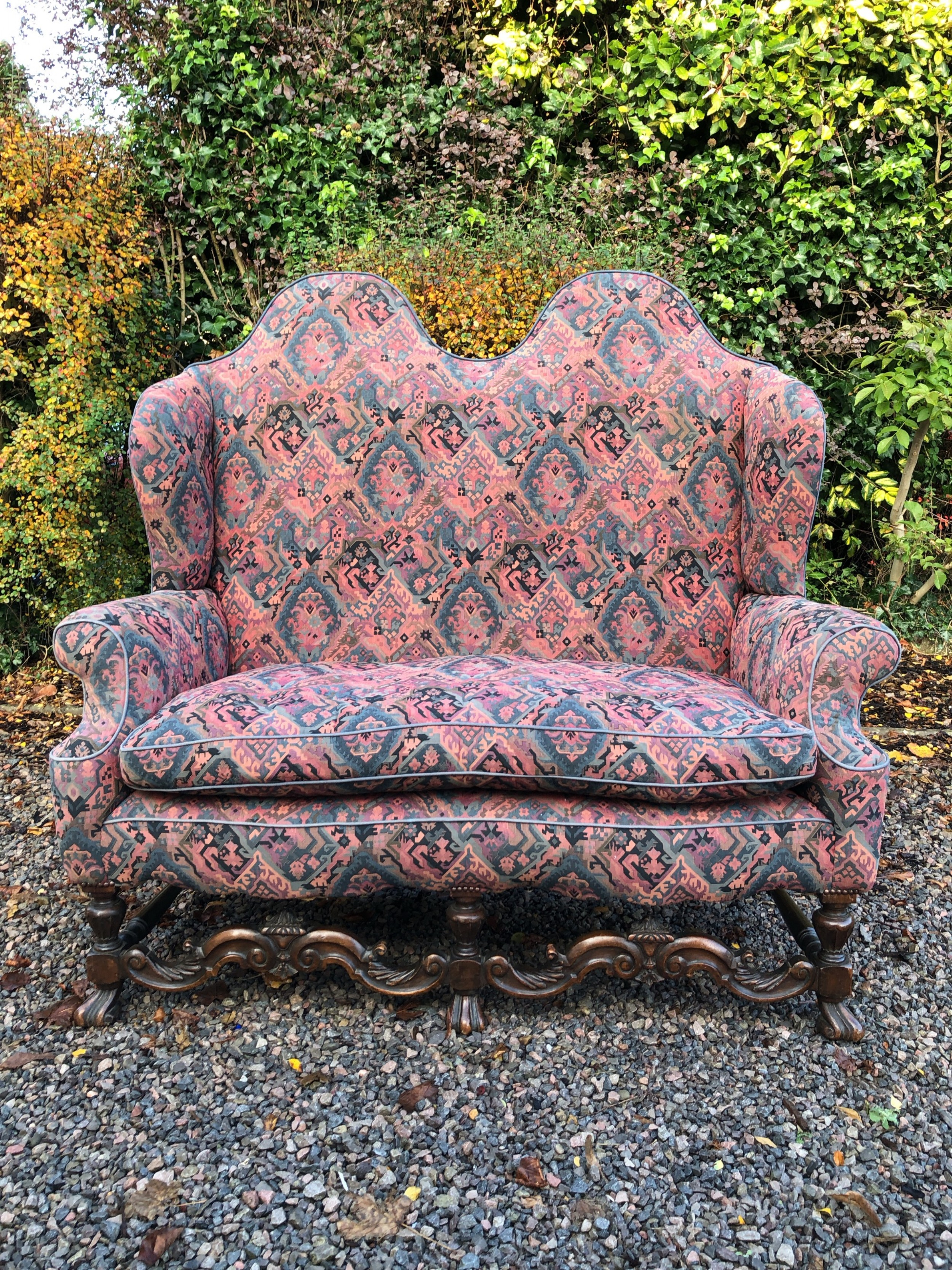 18th century style camelwing back 2 seat walnut sofasettee circa 1920