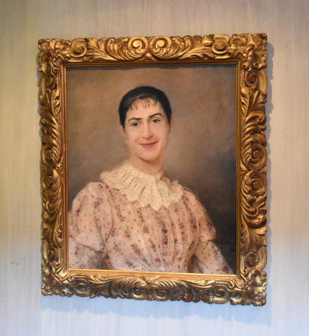 superb portrait of a lady by alarroux