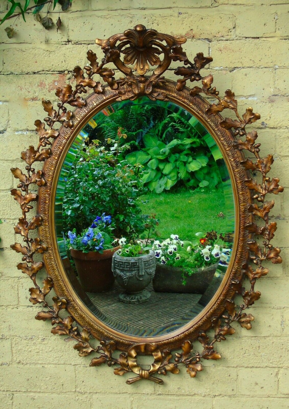 Beautiful Antique Giltwood Oak Leaf Oval Wall Mirror ...