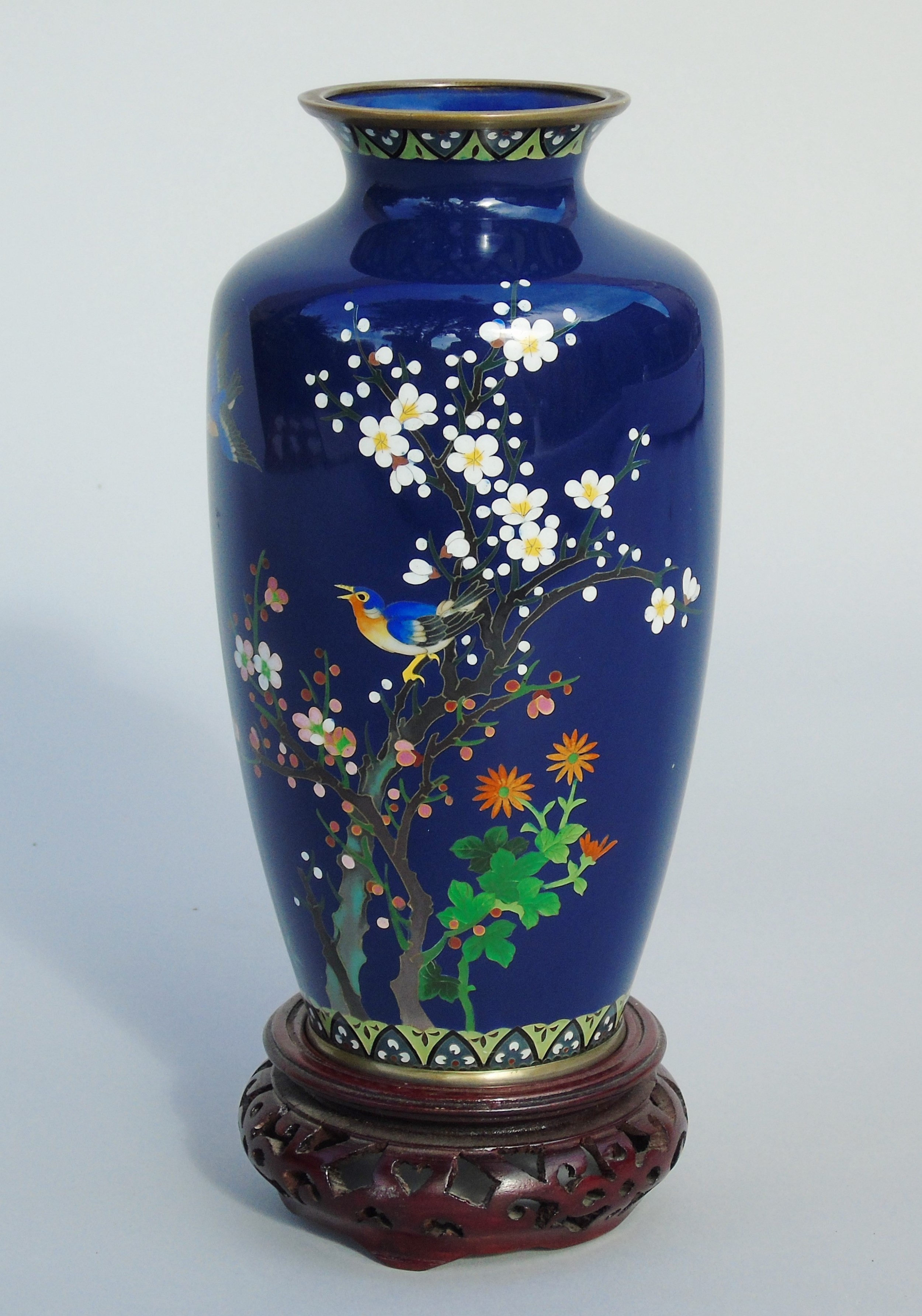 good quality japanese cloisonne vase on stand